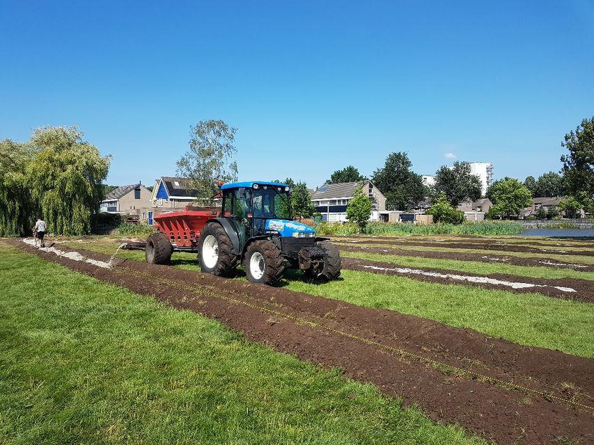 Wateroverlast Tuin Kleigrond : Drainage aanleggen u2013 loonbedrijf mulderij